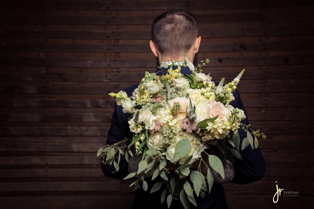 jodyrayephotography_weddingbouquet_groom_tnphotographer