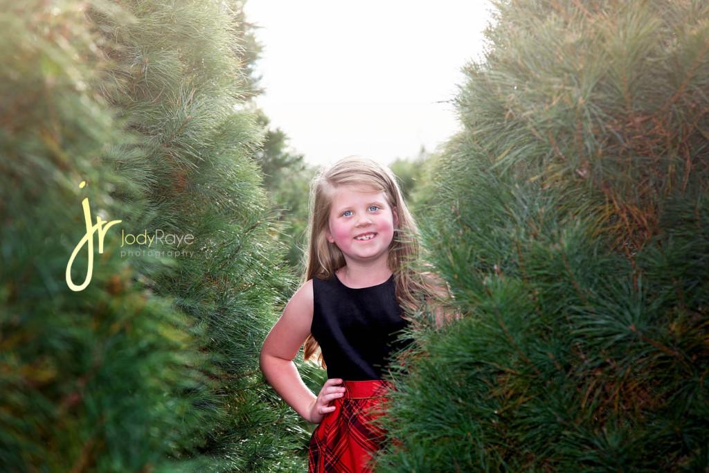 jodyrayephotographychristmassessiontreefarm